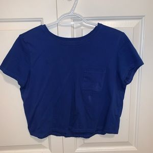 cropped blue t-shirt